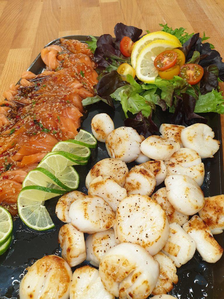 Kamskjell og ørret sashimi